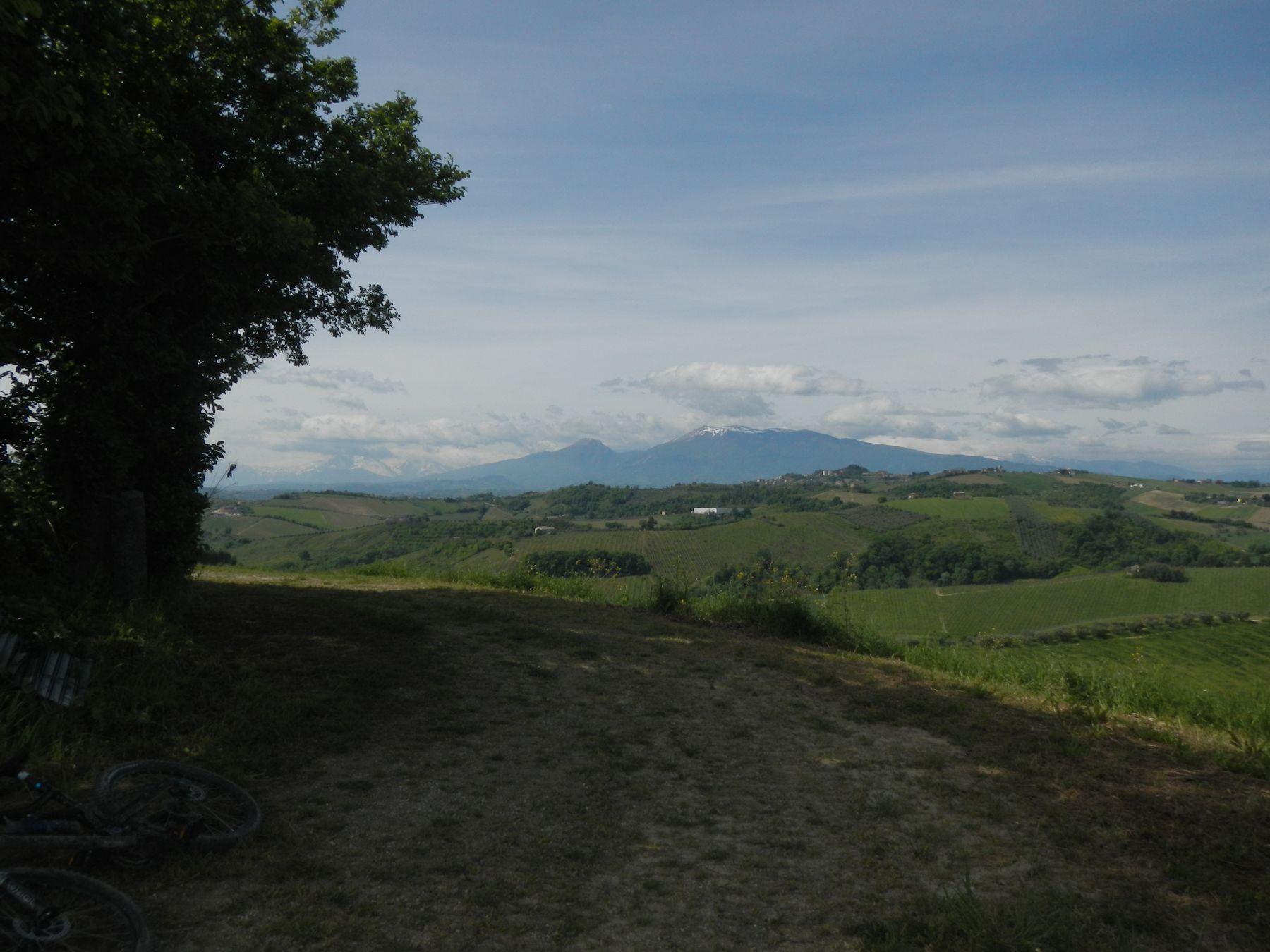 Monti gemelli dalla contrada Ciafone